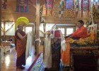 至尊赤江卓图仁波切接受来自萨甘丹寺的长寿法会(Tenshug)供养